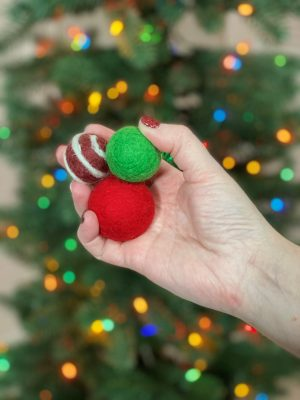 Felted ball round